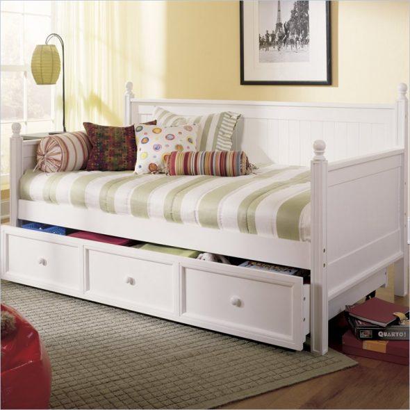 Стильная кровать-диванчик