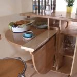 Стол-книжка на кухне