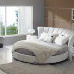 идея дизайна круглой кровати