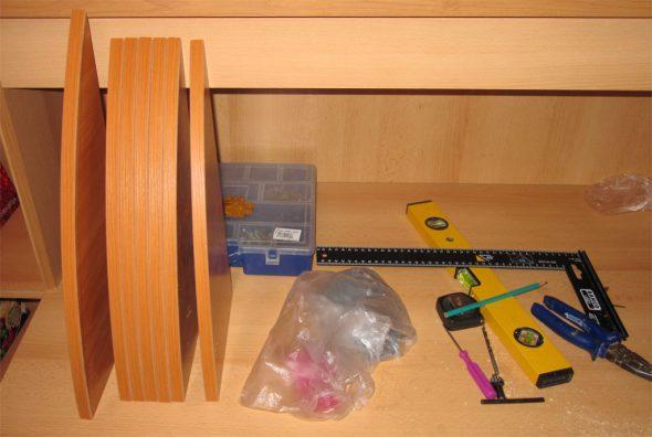 инструменты для крепление полок в шкафе