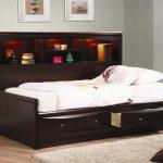 купить детскую кровать с ящиками