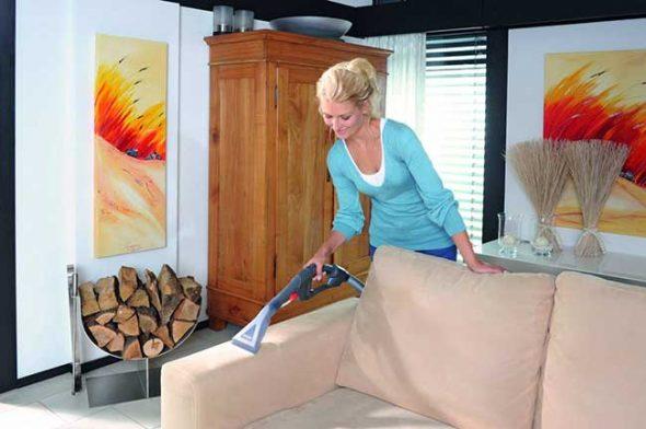 почистить мягкую мебель дома