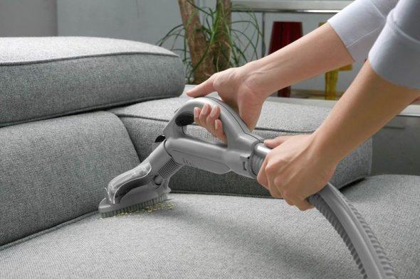 почистить от пятен, пыли и грязи мягкую мебель в домашних условиях