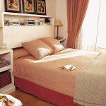 полки над кроватью удобные