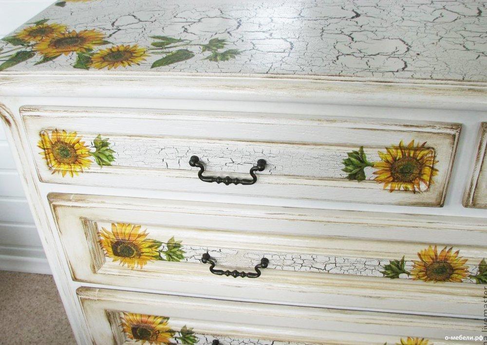 красивый кракелюр на мебели