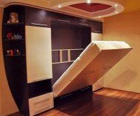 Кровать шкаф с подъемным механизмом
