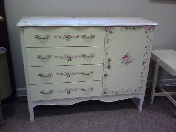 Реставрация старой мебели- делается декупаж