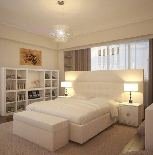 Белая кровать с мягким высоким изголовьем