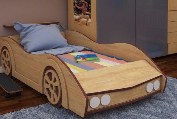 Деревянная кровать-машина