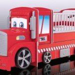 Детская кровать-манеж в виде грузовой машинки