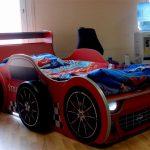 Детская кровать-машина с подсветкой и объемными колесами