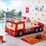 Детская кровать в виде бортового грузовичка