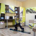 Детская мебель с необычным картинками в интерьере