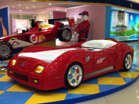 Гоночная машина для игр и сна