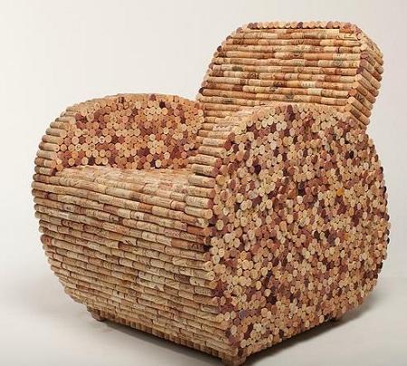 кресло из пробок вина