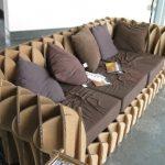 необычный диван из ненужного картона