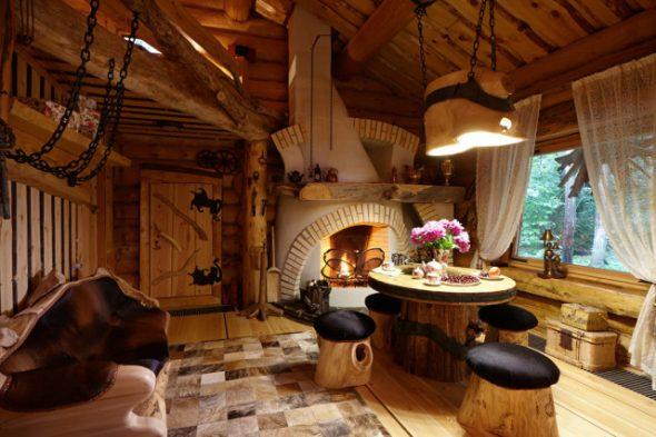 Охотничий деревянный домик