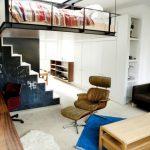 Подвесная кровать-чердак для маленькой квартиры