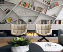 Полки необычной формы для декора и книг над камином