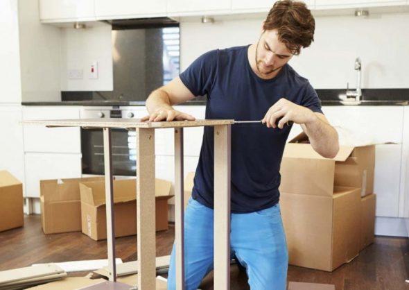 сборка мебели с помощью саморезов