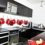 Стеклянные панели для кухни с дополнительным освещением