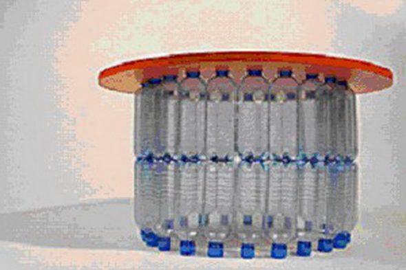 Столик из пластиковых бутылок