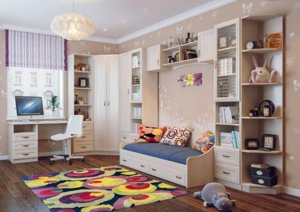 Светлая мебель для комнаты мальчика с кроватью и столом