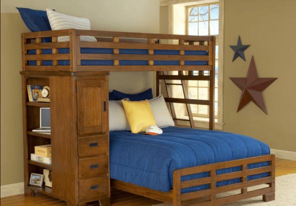 Односпальная кровать-чердак для ребенка и двухспальная для родителей внизу