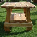 Уличный стол для дачи из дерева
