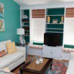 Уютная маленькая гостиная в морском стиле