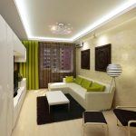 Узкая и длинная комната-гостиная с встроенным освещением