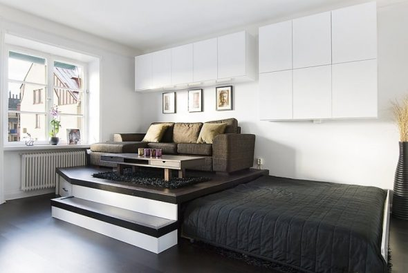 Встроенная кровать - отличный способ спрятать ее в интерьере