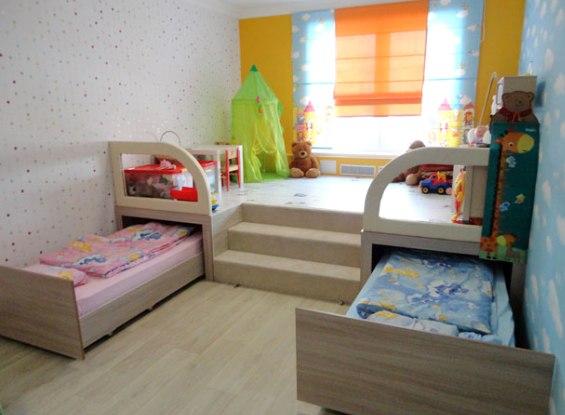 Выдвижные кровати в детской комнате