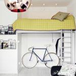 Взрослая кровать-чердак для маленькой квартиры