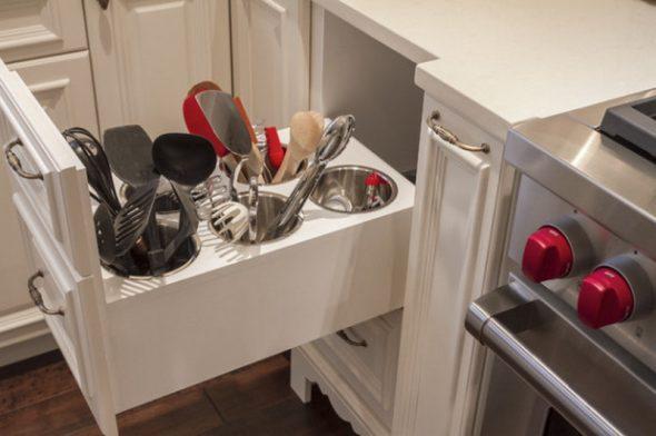 Кухонный ящик для кулинарных приспособлений