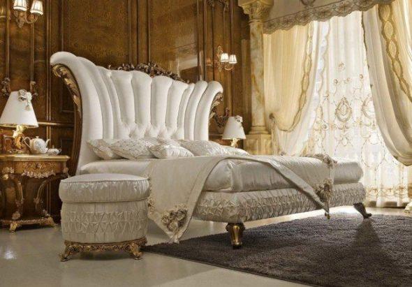 Интерьера спальни в бело-горчичных цветах