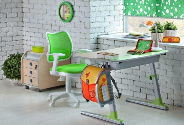 Зеленое компьютерное кресло для ребенка