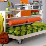 Экономия места в детской за счет кровати-подиума