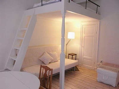 Идея для маленькой спальни кровать-чердак