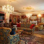 Интерьер огромного зала в стиле барокко