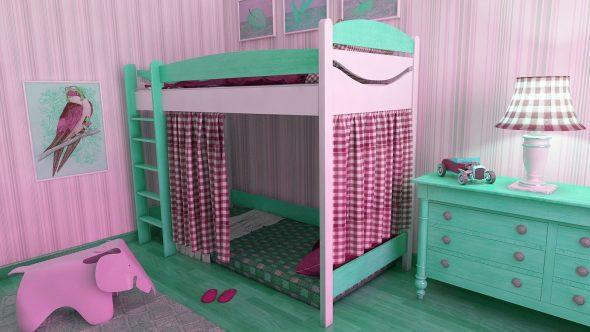 Интересное оформление детской кровати-чердак