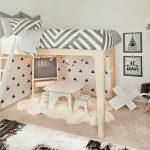 Красивая белая кровать-чердак в детскую