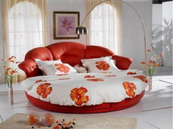 Красивое постельное белье на круглую кровать