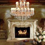 Красивый камин в гостиной барокко