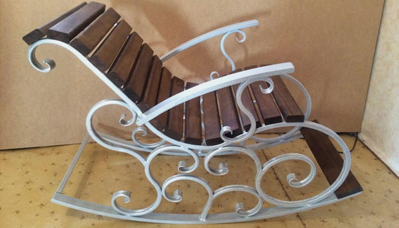 кресло качалка из профильной трубы