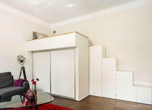 Кровать-чердак для взрослых со ступенями-шкафчиками