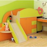 Кровать-чердак с горкой и выдвижным столом