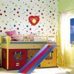 Кровать-чердак с местом для игр