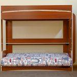 Кровать-чердак с разложенным диваном