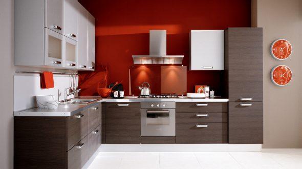 Кухня с варочной поверхностью и духовым шкафом